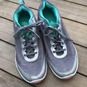 Vionic sneakers Grey/Silver w/aqua W sz11
